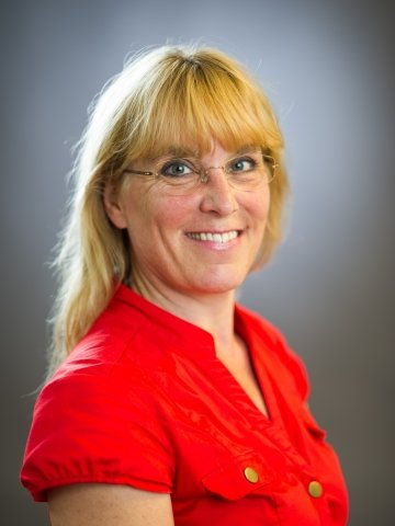 Eva Pontén MD PhD, specialist in orthopaedic surgery and hand surgery